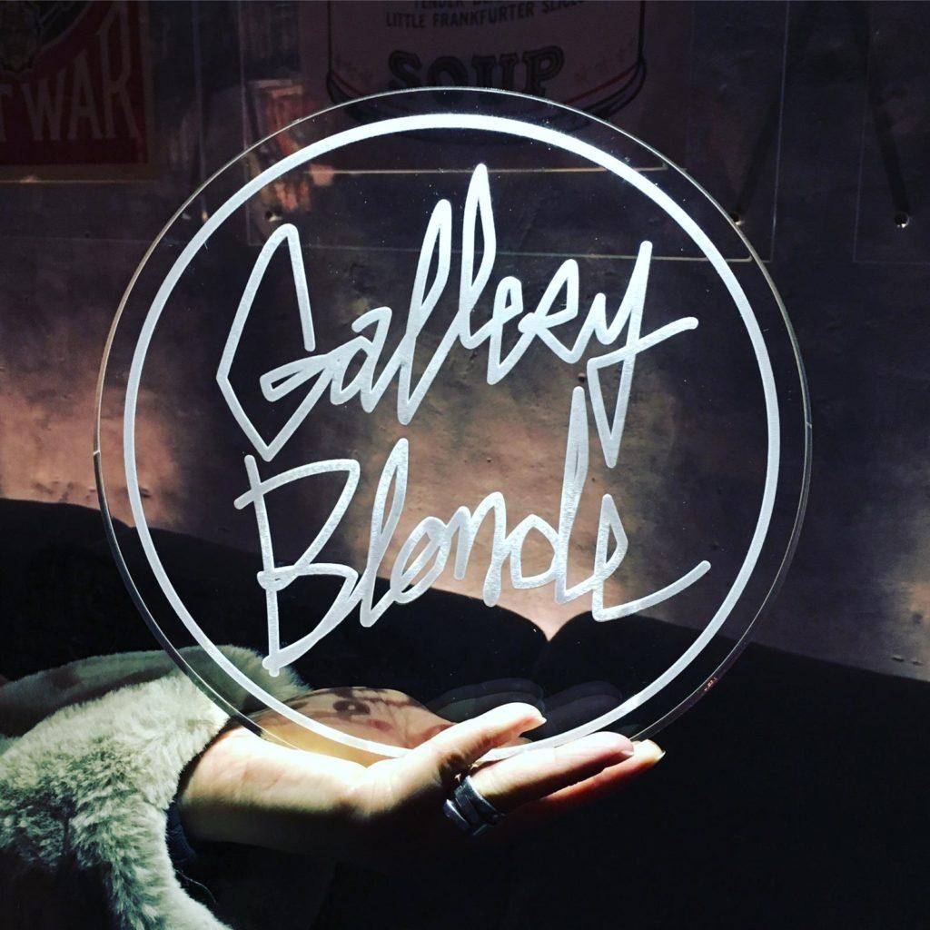 Gallery Blonde